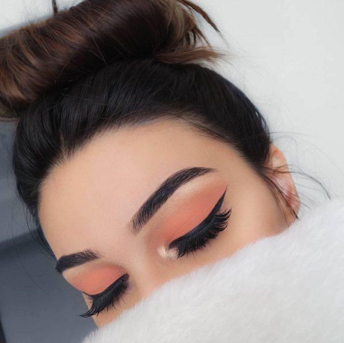 Natural-orange-eyeshadow-2-675x673 60+ Hottest Smokey Eye Makeup Looks in 2020