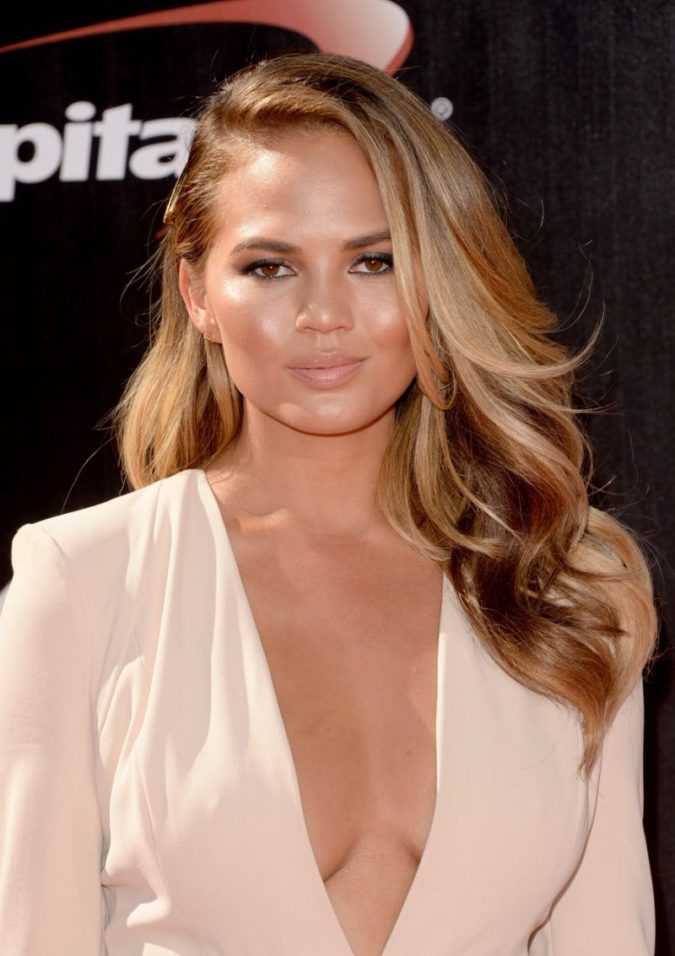 Pearl-Blonde-Highlights-1-675x956 Top 10 Hair Color Trends for Blonde Women in 2021
