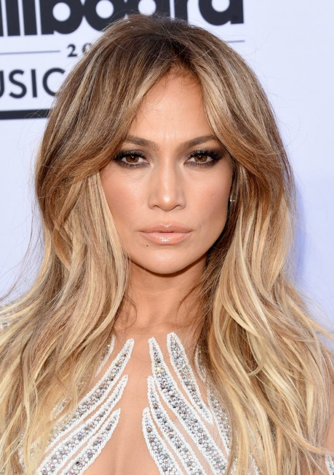 Pearl-Blonde-Highlights.-6-675x960 Top 10 Hair Color Trends for Blonde Women in 2021