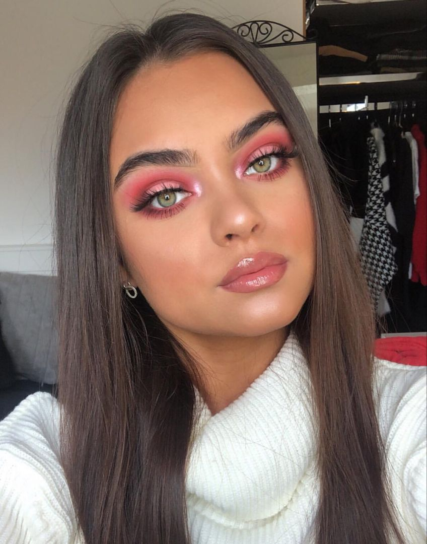 Pink-summertime-eye-makeup-4 60+ Hottest Smokey Eye Makeup Looks in 2020