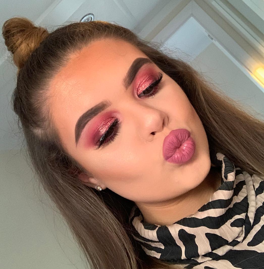 Pink-summertime-eye-makeup.-2 60+ Hottest Smokey Eye Makeup Looks in 2020