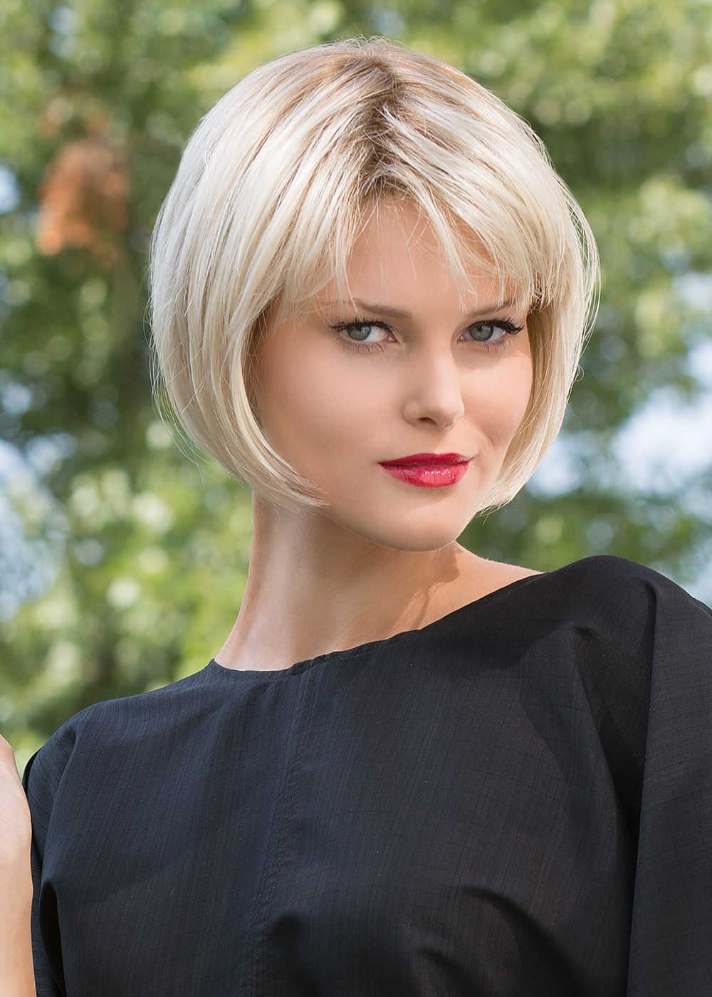 Platinum-Blonde.-4 Top 10 Hair Color Trends for Blonde Women in 2021