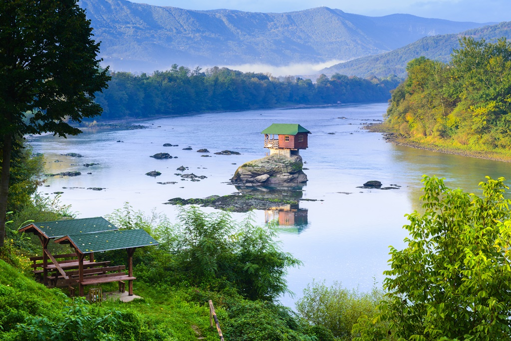 River-house Top 25 Strangest Houses around the World