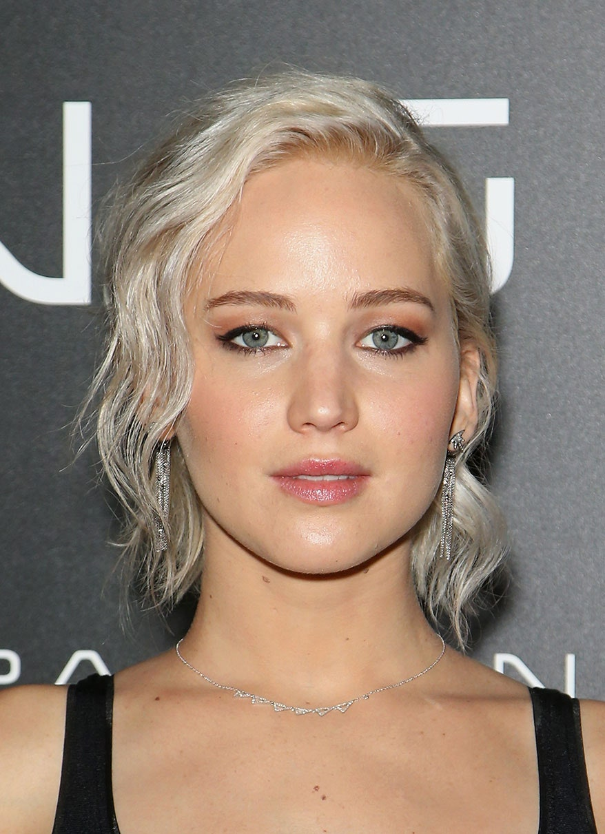 Silver-Blonde.-2 Top 10 Hair Color Trends for Blonde Women in 2021