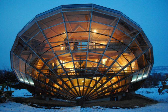 Solar-house-1-675x452 Top 25 Strangest Houses around the World