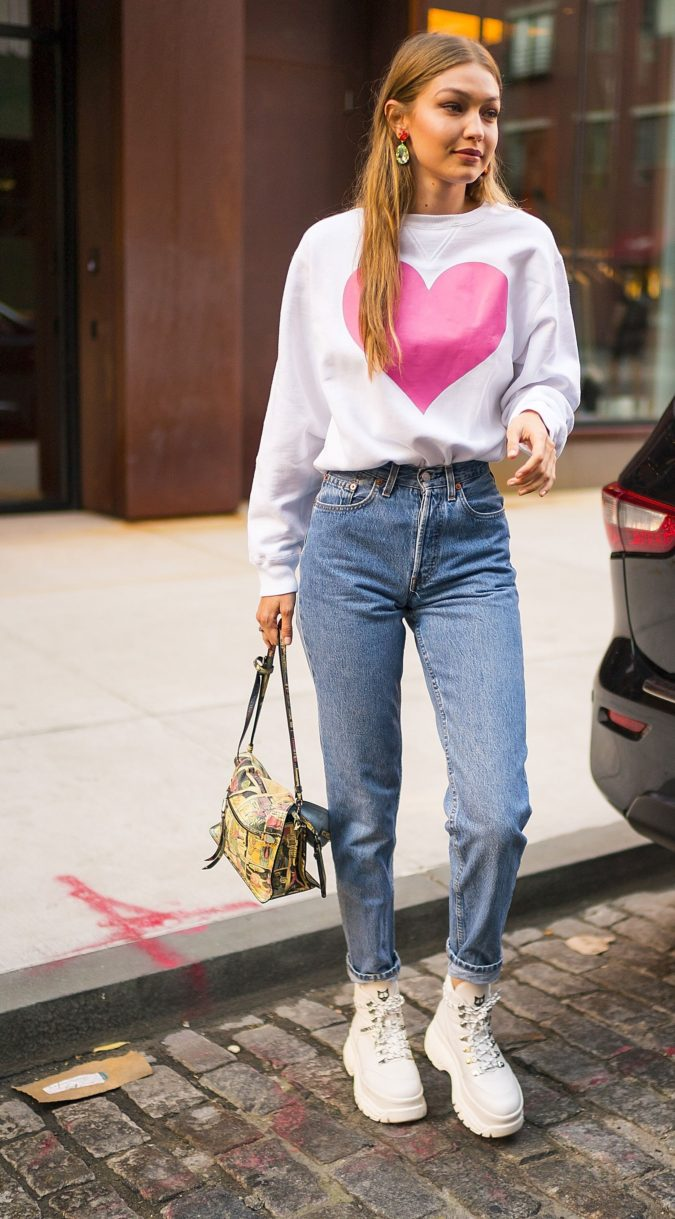 Statement-outfits.-675x1219 120+ Fashion Trends and Looks for College Students in 2021