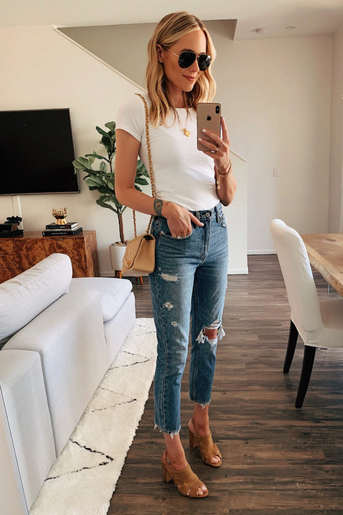 Torn-jean-and-T-shirt..-675x1013 120+ Fashion Trends and Looks for College Students in 2020/2021
