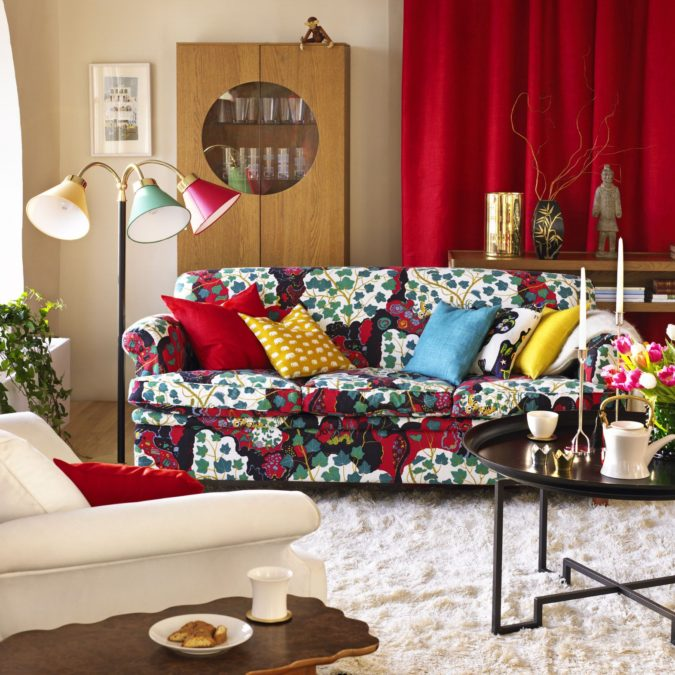 Vibrant-trim-living-room-675x675 70+ Hottest Colorful Living Room Decorating Ideas in 2021