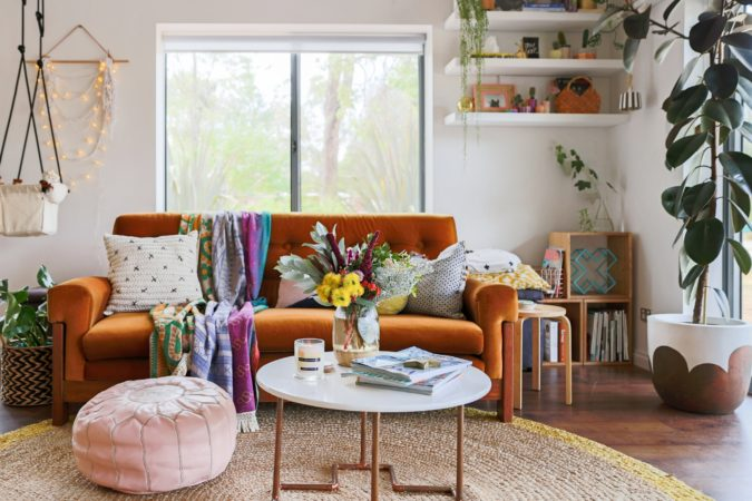 Vintage-bohemian-living-room-675x450 70+ Hottest Colorful Living Room Decorating Ideas in 2021