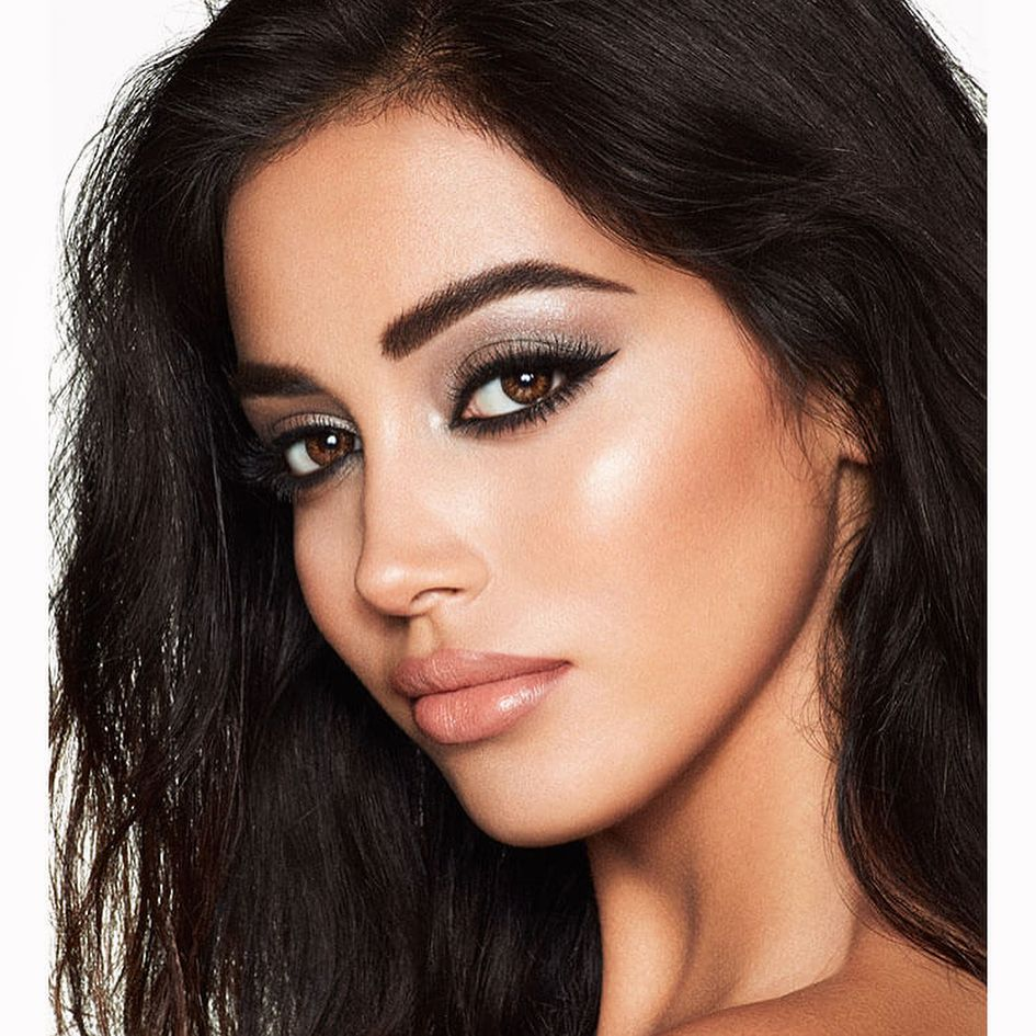black-and-silver-3 60+ Hottest Smokey Eye Makeup Looks in 2021