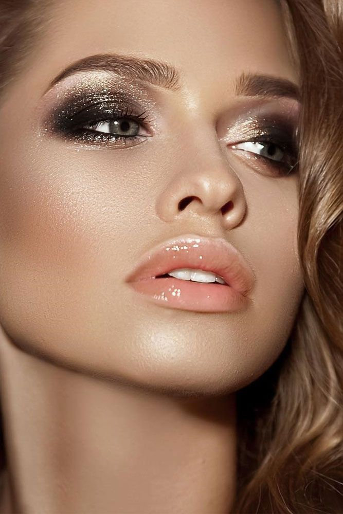 black-and-silver-4 60+ Hottest Smokey Eye Makeup Looks in 2021