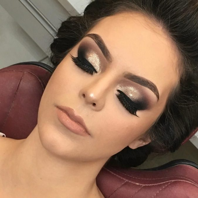 black-and-silver-5-675x675 60+ Hottest Smokey Eye Makeup Looks in 2020