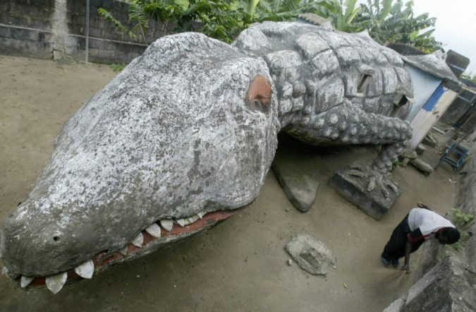crocodile-house-675x442 Top 25 Strangest Houses around the World