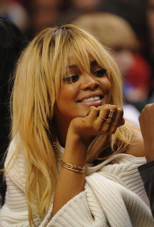 golden-blonde-hair +35 Hottest Hair Color Trends for Dark-Skinned Women