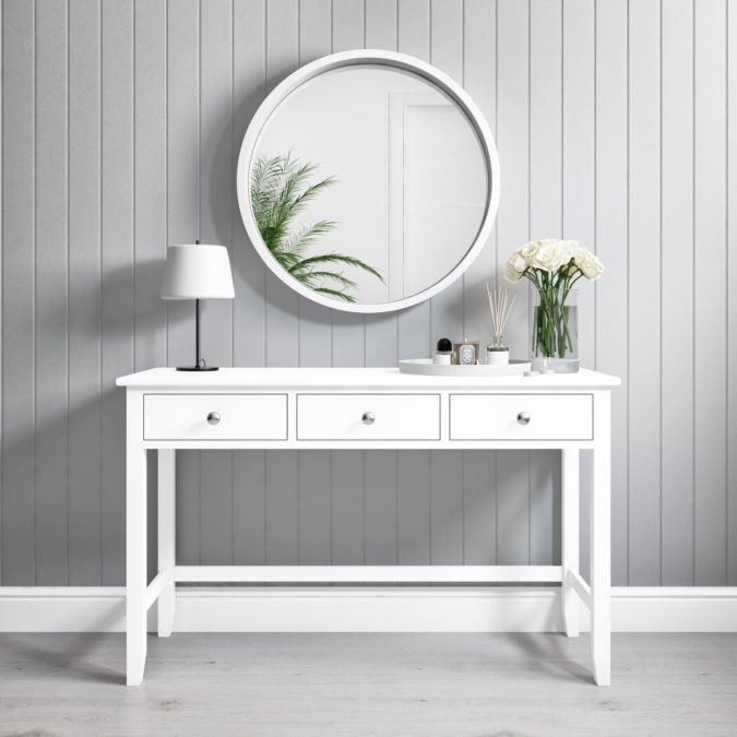 round-regular-mirror-1-675x675 Hottest 50+ Stylish Makeup Vanity Ideas
