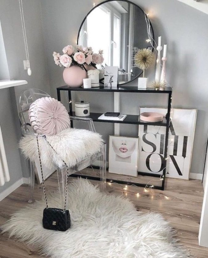 round-regular-mirror-675x839 Hottest 50+ Stylish Makeup Vanity Ideas