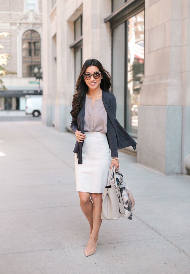 women-business-outfit-pencil-skirt-1 What Women Should Wear for a Business Meeting [60+ Outfit Ideas]