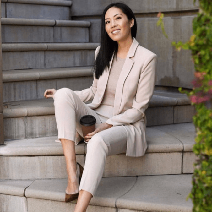 women-suit-4-675x675 What Women Should Wear for a Business Meeting [60+ Outfit Ideas]