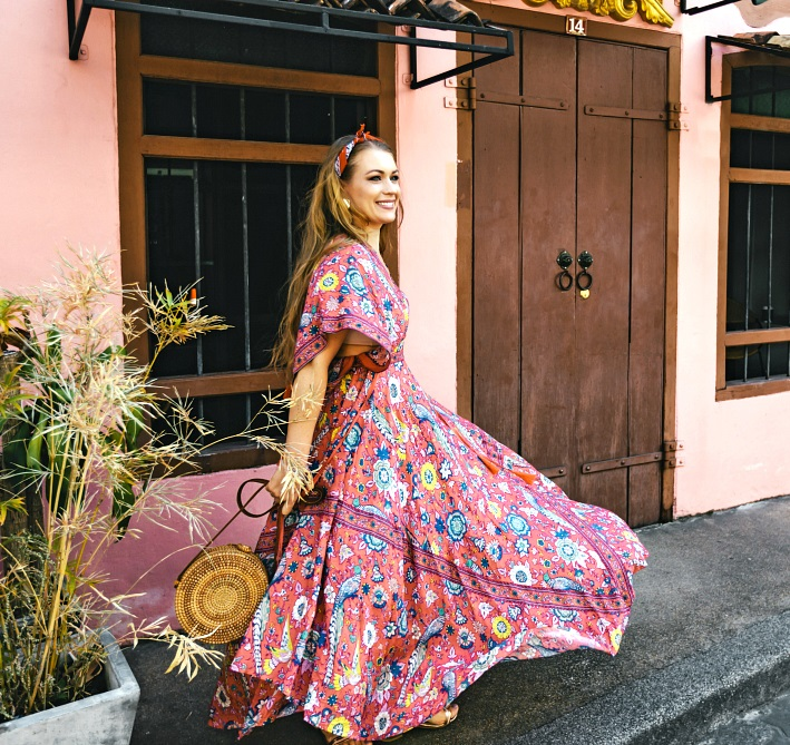 Breezy-maxi-dress-1 140 First-Date Outfit Ideas That Make You Special