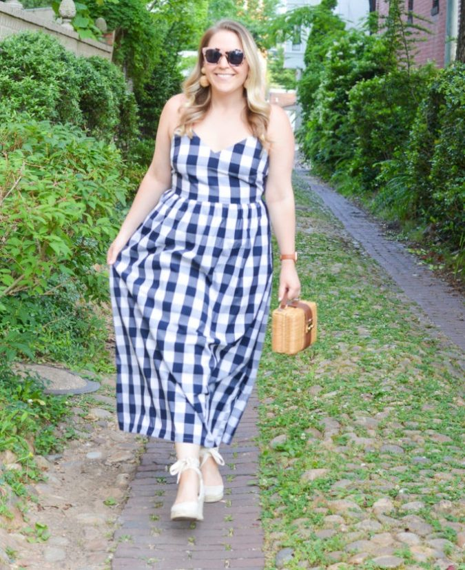 Breezy-maxi-dress.-1-675x827 140 First-Date Outfit Ideas That Make You Special