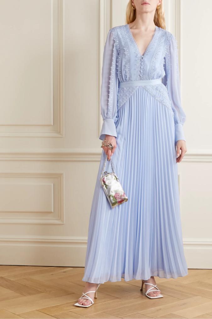 Chiffon-gown.-675x1013 120 Splendid Women's Outfits for Evening Weddings