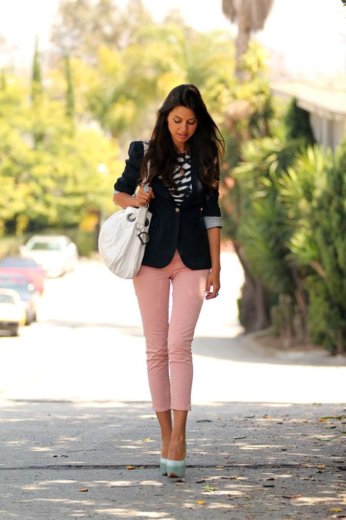 Colored-pants.-675x1013 140 First-Date Outfit Ideas That Make You Special