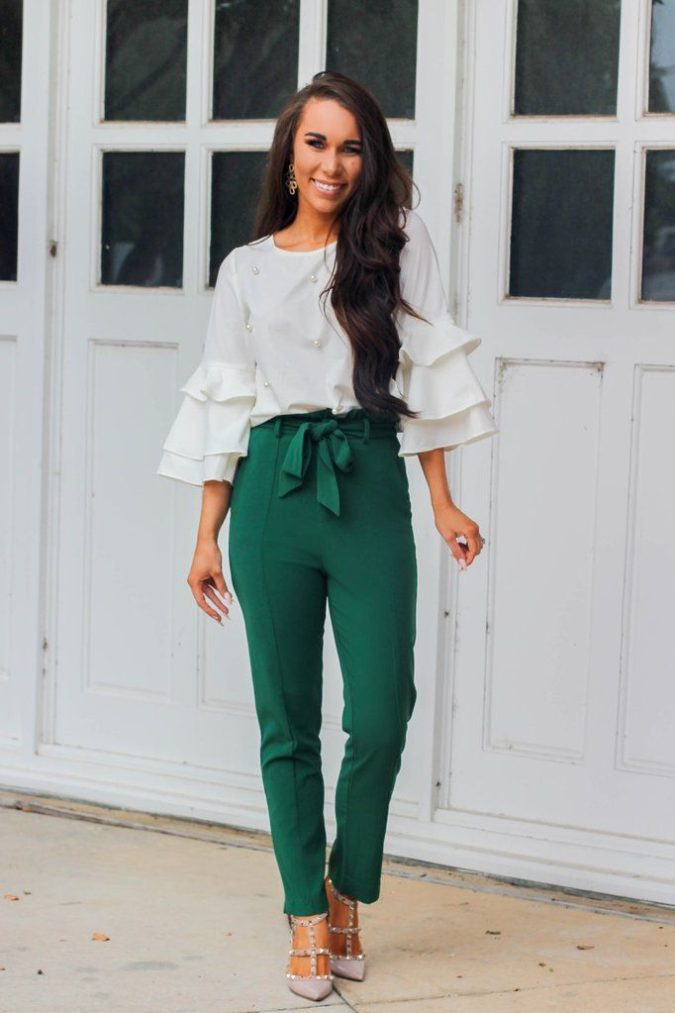 Colored-pants.-7-675x1013 140 First-Date Outfit Ideas That Make You Special