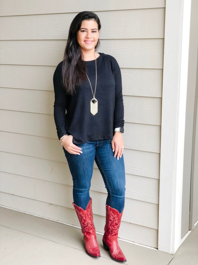 Cowboy-boots-675x900 140 First-Date Outfit Ideas That Make You Special