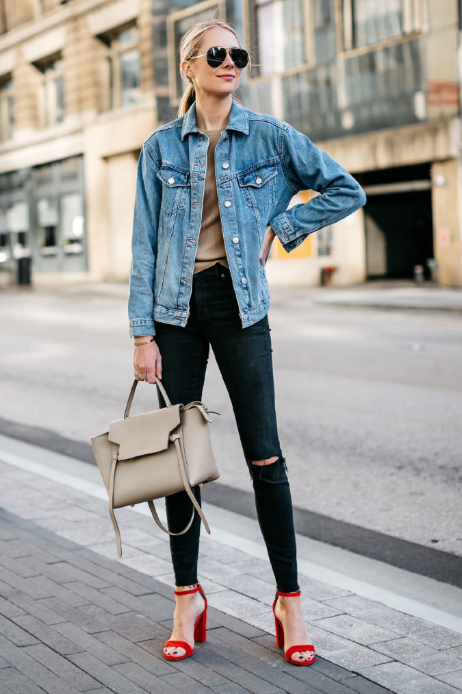 Denim-jeans.-1-675x1013 140 First-Date Outfit Ideas That Make You Special