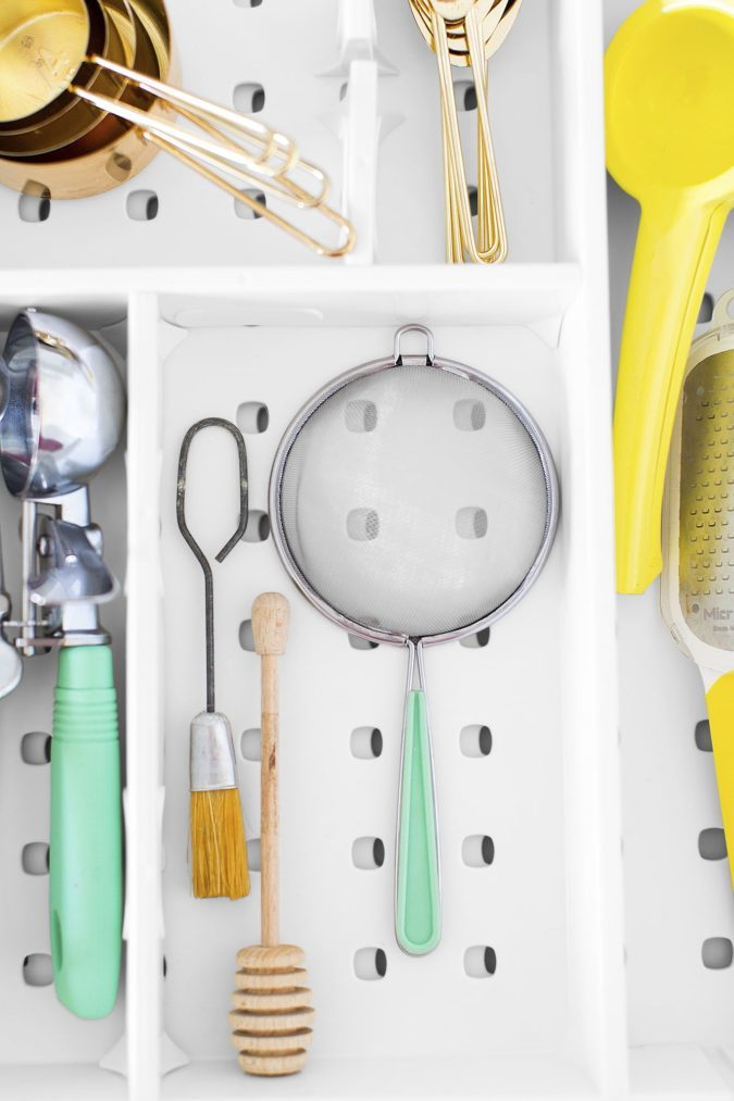 Divide-kitchen-tools-675x1013 100+ Smartest Storage Ideas for Small Kitchens in 2021