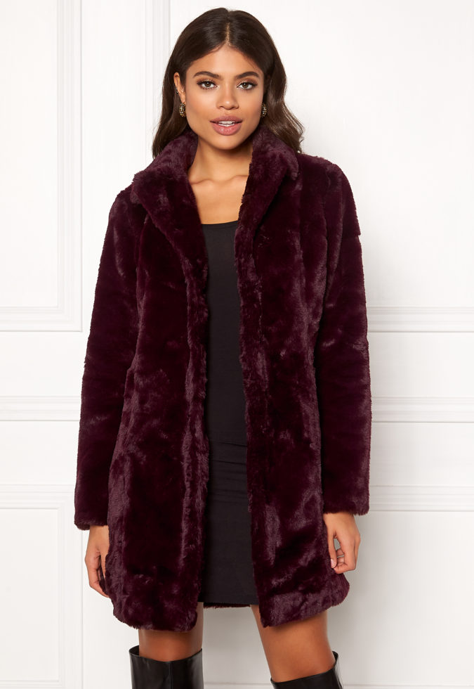 Faux-Fur-Coat-1-675x980 140+ Lovely Women's Outfit Ideas for Winter 2020 / 2021