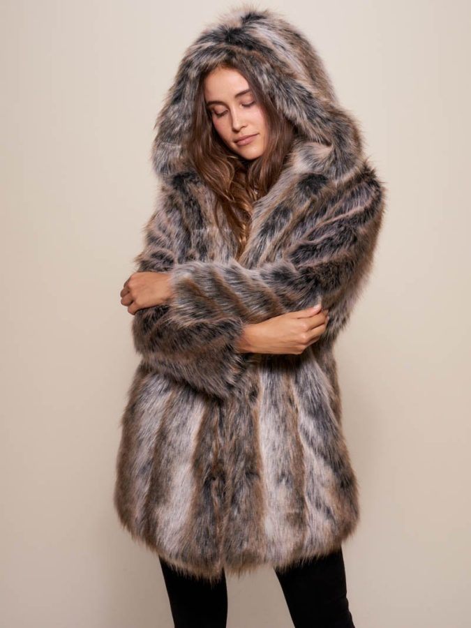 Faux-Fur-Coat-675x900 140+ Lovely Women's Outfit Ideas for Winter 2020 / 2021