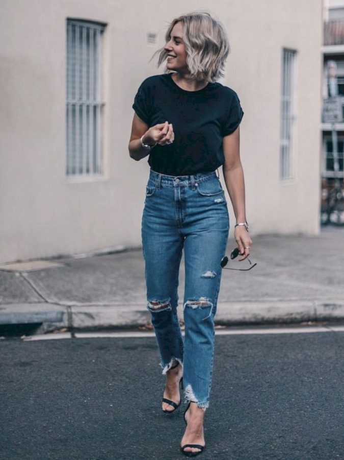 High-waist-jean-and-vintage-Tee.-1-675x901 140 First-Date Outfit Ideas That Make You Special