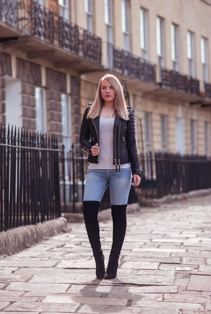 Jacket-and-boots-1-675x1004 140+ Lovely Women's Outfit Ideas for Winter 2020 / 2021