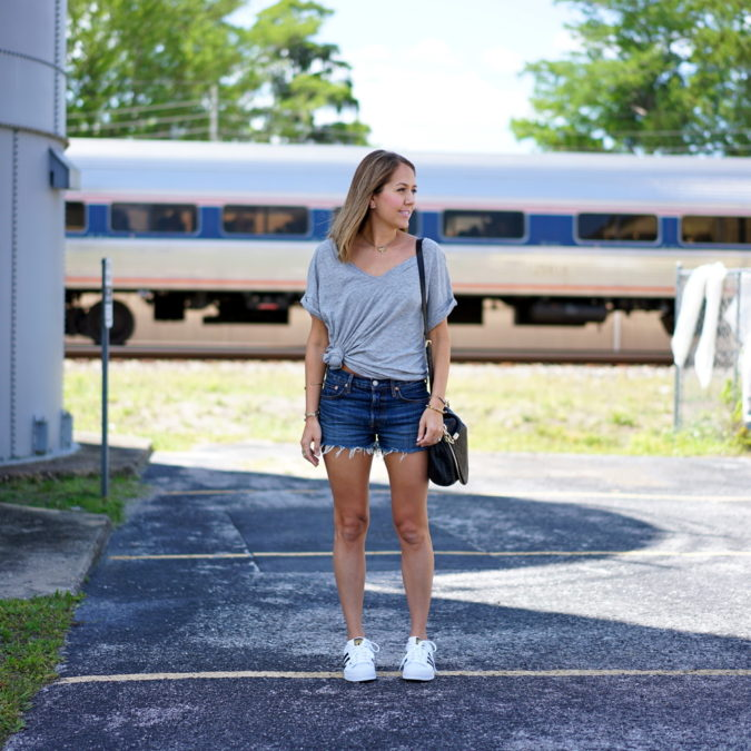 Jeans-short.-1-675x675 140 First-Date Outfit Ideas That Make You Special