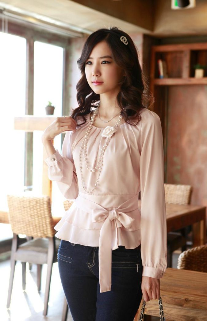 Jeans-with-dressy-blouse.-2-675x1044 140 First-Date Outfit Ideas That Make You Special