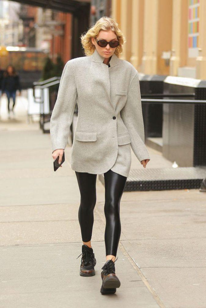 Legging.-3-675x1010 140+ Lovely Women's Outfit Ideas for Winter 2020 / 2021