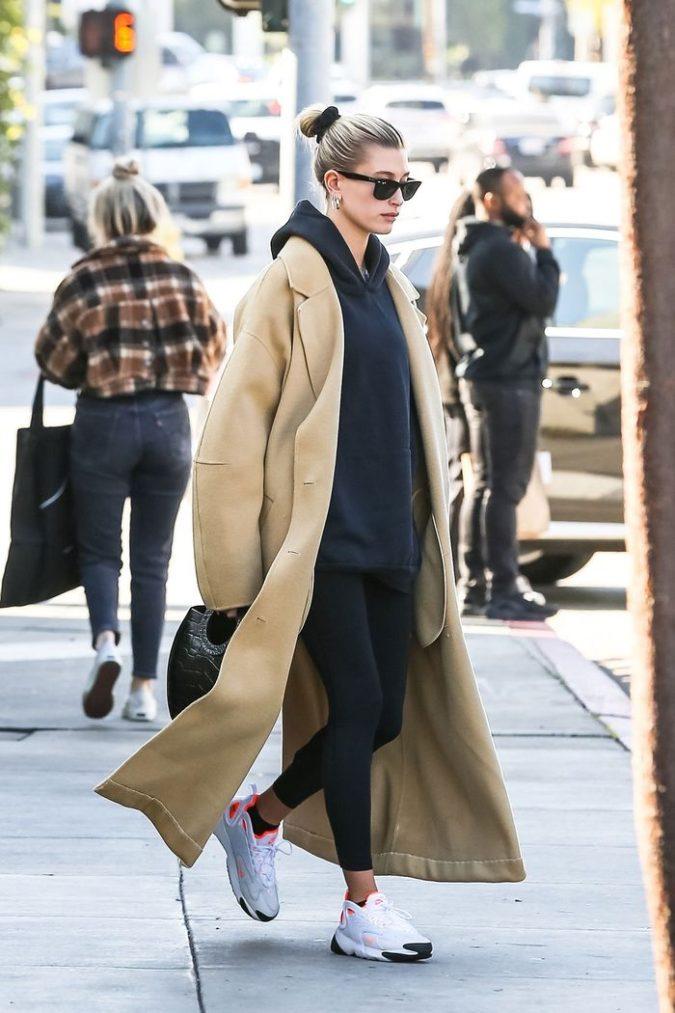 Legging..-675x1013 140+ Lovely Women's Outfit Ideas for Winter 2020 / 2021