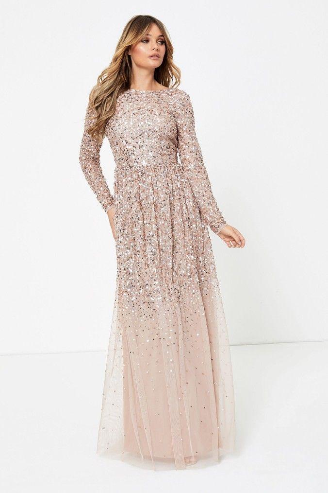 Long-sleeve-maxi-dress 120 Splendid Women's Outfits for Evening Weddings