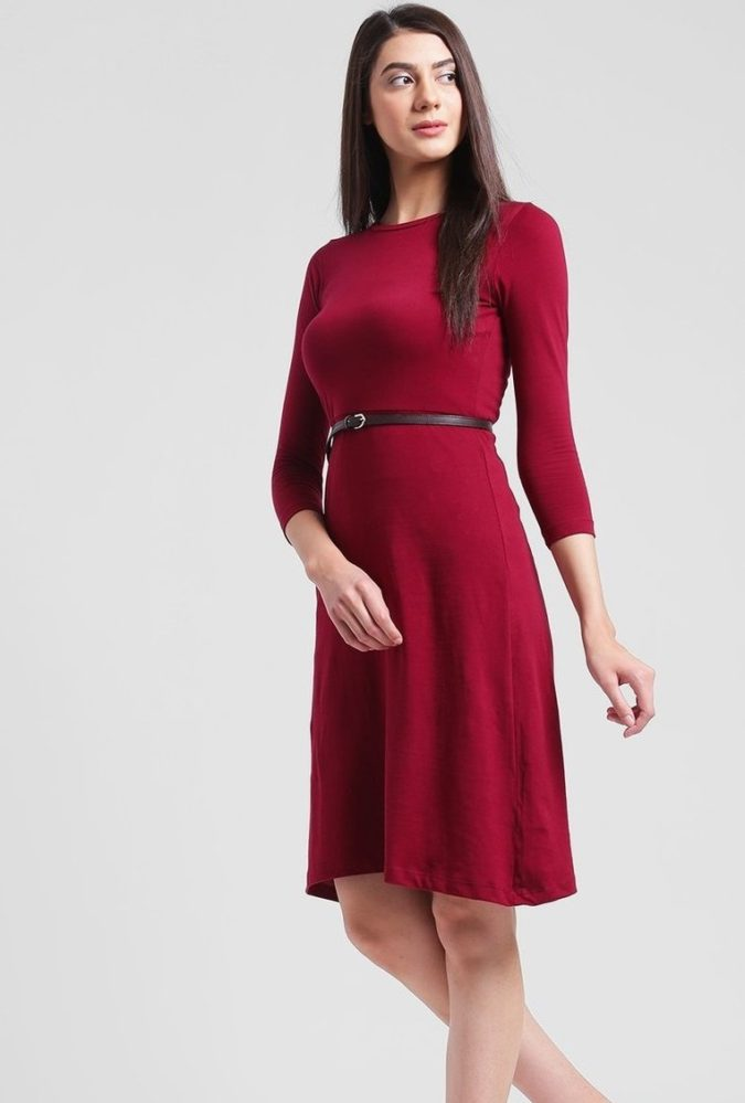 Long-sleeve-midi-dress-1-675x999 140+ Lovely Women's Outfit Ideas for Winter 2020 / 2021