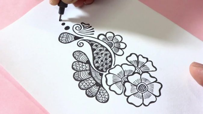 Mehndi-designs-675x380 Top 10 Easiest Things to Draw