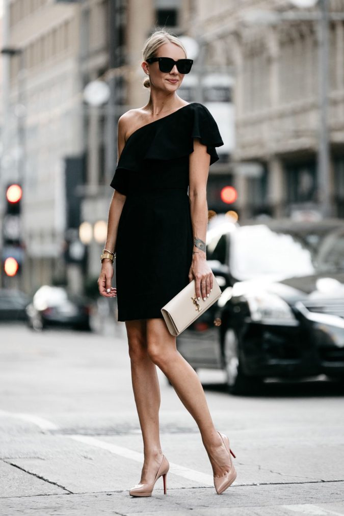Mini-dress.-2-675x1013 120+ Breathtaking Birthday Party Outfits for Ladies