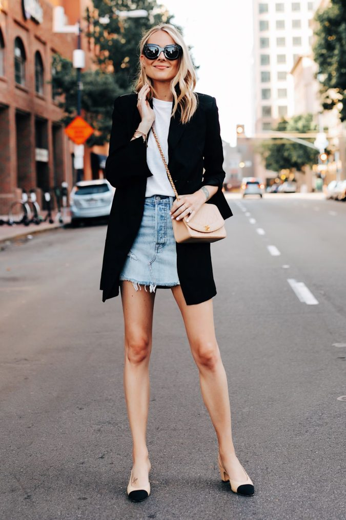 Mini-skirt-and-casual-jacket-1-675x1013 140 First-Date Outfit Ideas That Make You Special