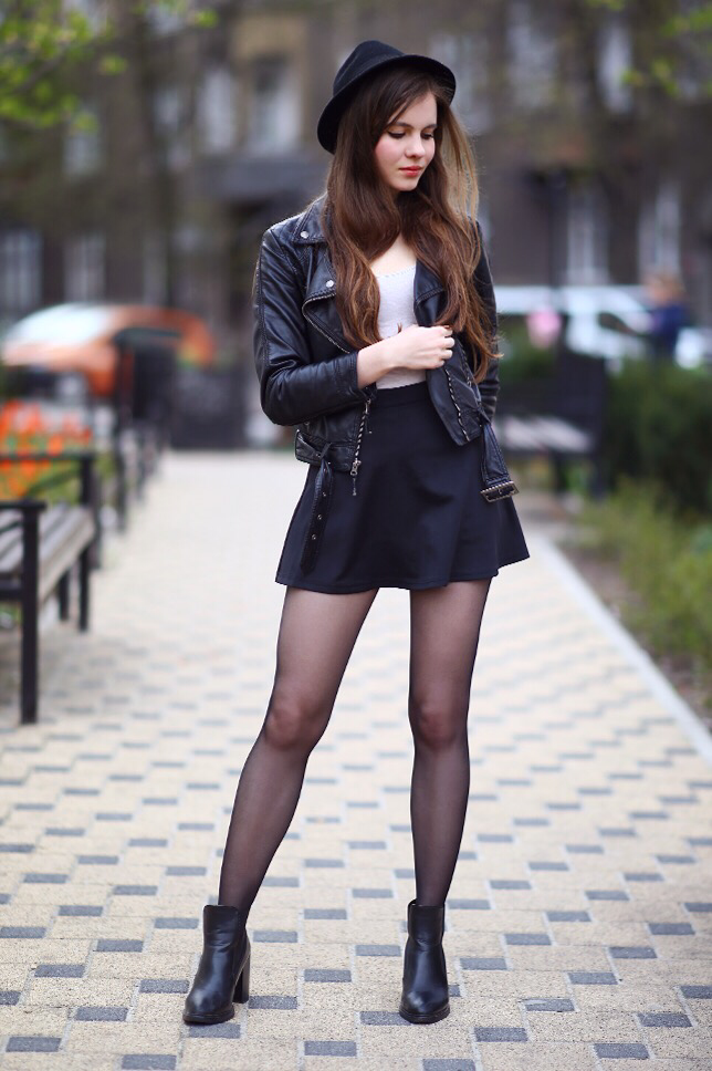 Mini-skirt-and-casual-jacket. 140 First-Date Outfit Ideas That Make You Special