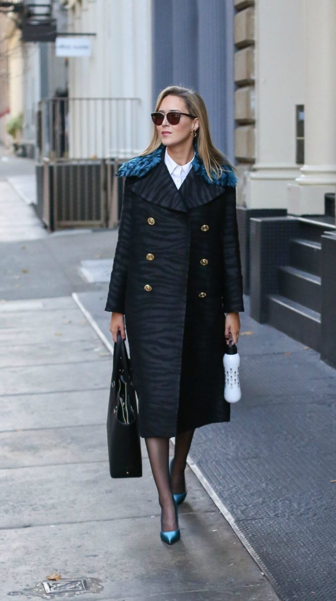 Navy-overcoats.-2-675x1206 140+ Lovely Women's Outfit Ideas for Winter 2020 / 2021