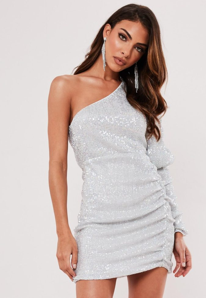 One-shoulder-dress-3-675x978 120+ Breathtaking Birthday Party Outfits for Ladies