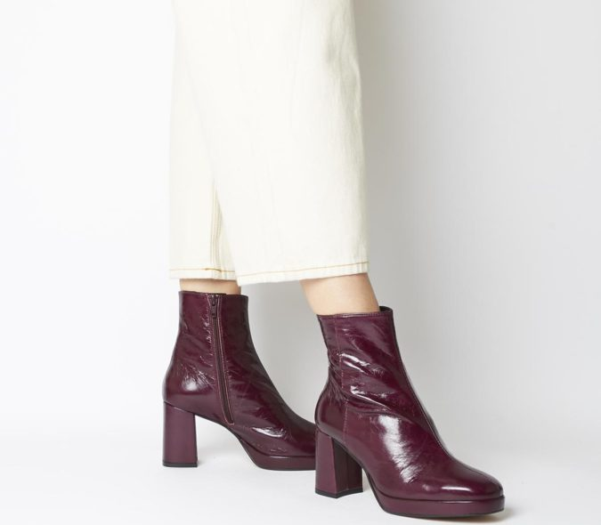 Platform-Boots-675x590 140+ Lovely Women's Outfit Ideas for Winter 2020 / 2021