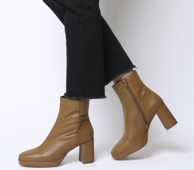 Platform-Boots..-1-675x590 140+ Lovely Women's Outfit Ideas for Winter in 2021