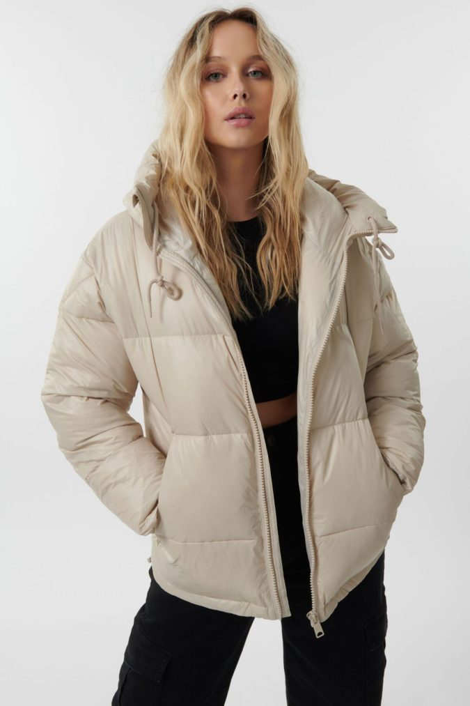 Puffer-Coats.-1-675x1013 140+ Lovely Women's Outfit Ideas for Winter 2020 / 2021