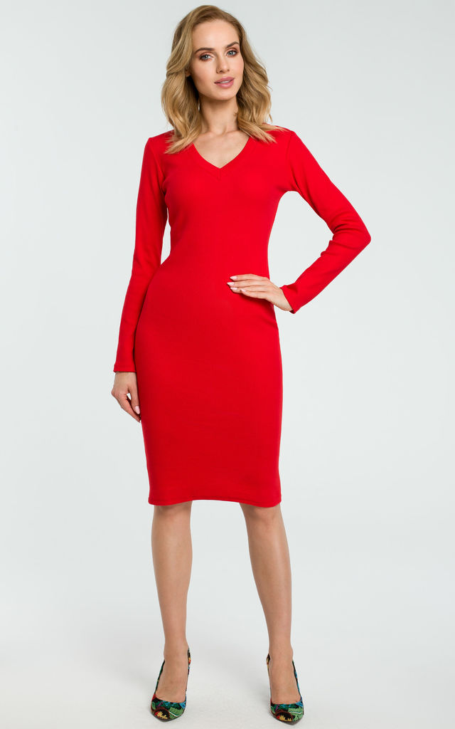Red-midi-dress 120 Splendid Women's Outfits for Evening Weddings